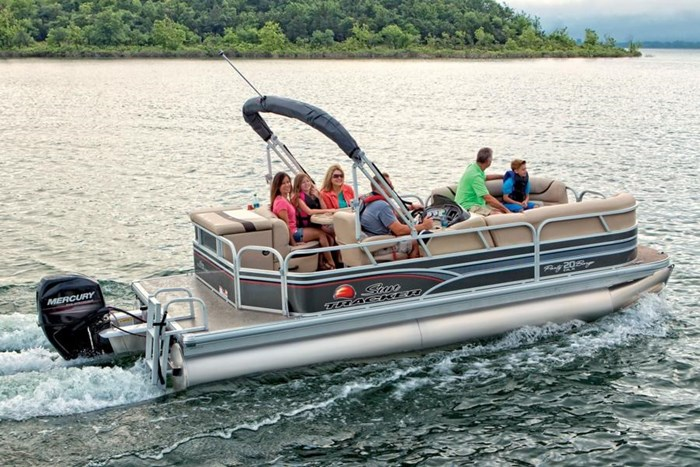 sun tracker party barge 20 dlx running