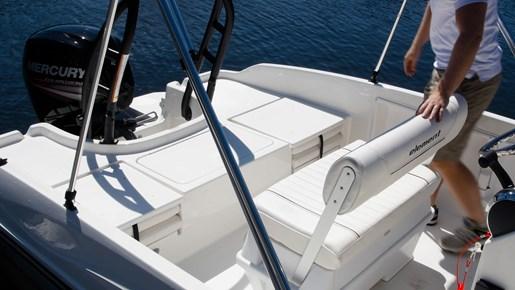 bayliner f18 bench seat element