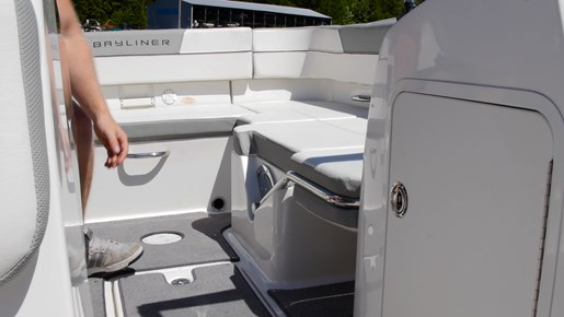 bayliner vr5 storage