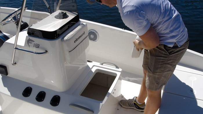 bayliner element f18 center storage