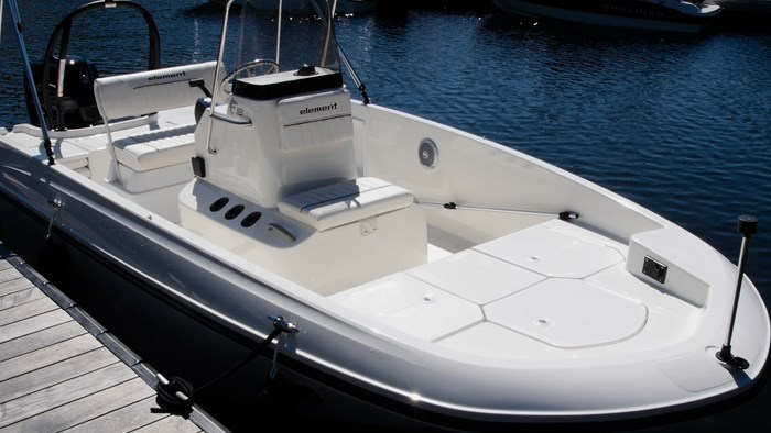 bayliner element f18 layout