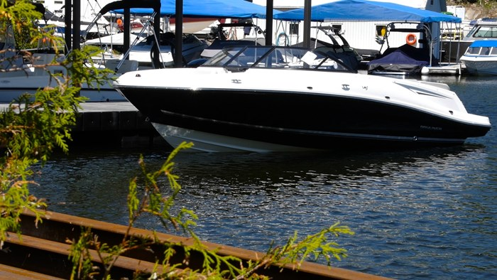 bayliner vr5 dockside