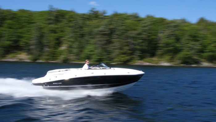 bayliner vr5 high speed