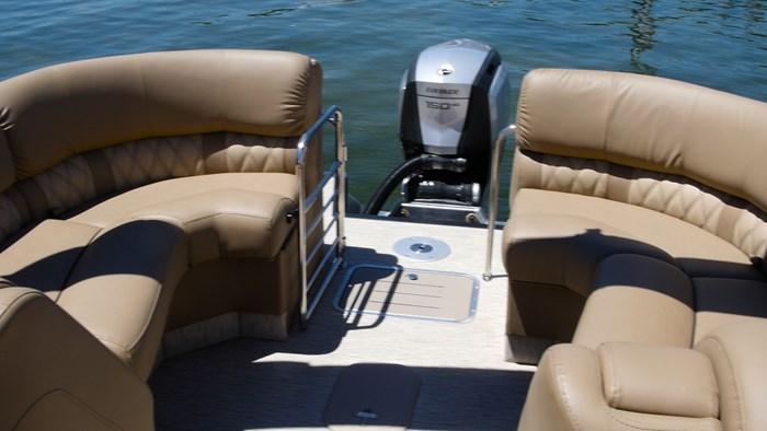 bennington r23 rear loungers