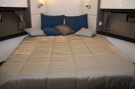 carver c37 bed