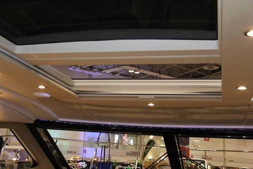 carver c37 sun roof