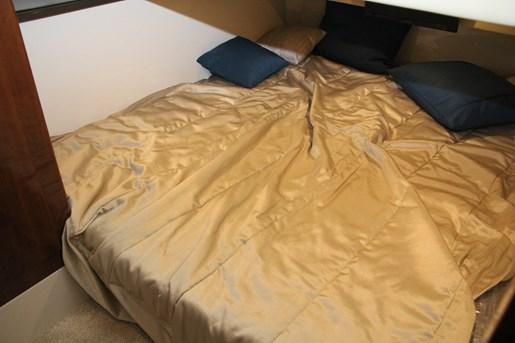 carver c43 guest bed