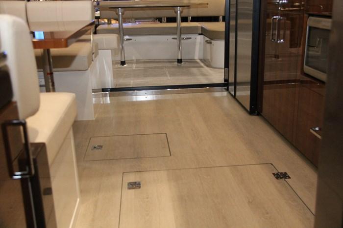 carver c43 floor