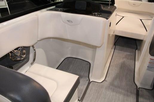 chaparral 227 ssx seat