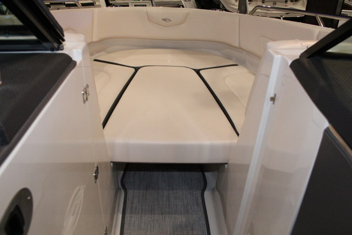 chaparral 227 ssx bow