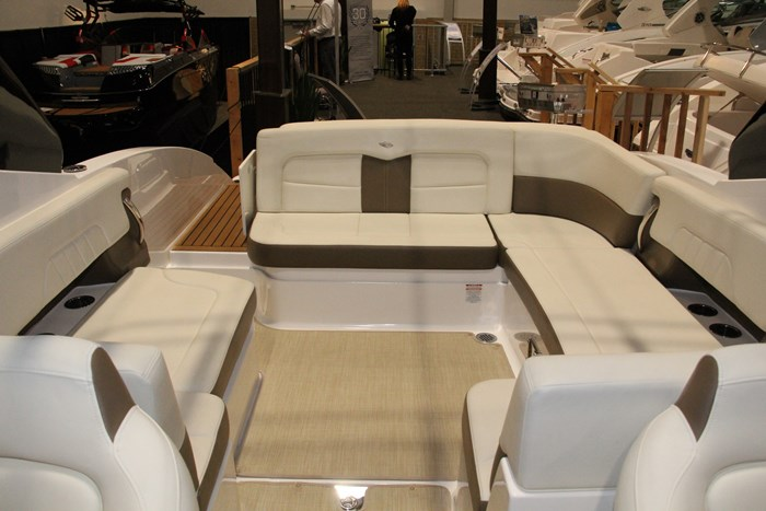 chaparral 307 ssx stern seating