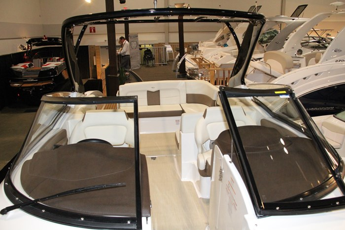 chaparral 307 ssx windshield