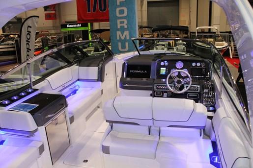 formula 330 fx cockpit view