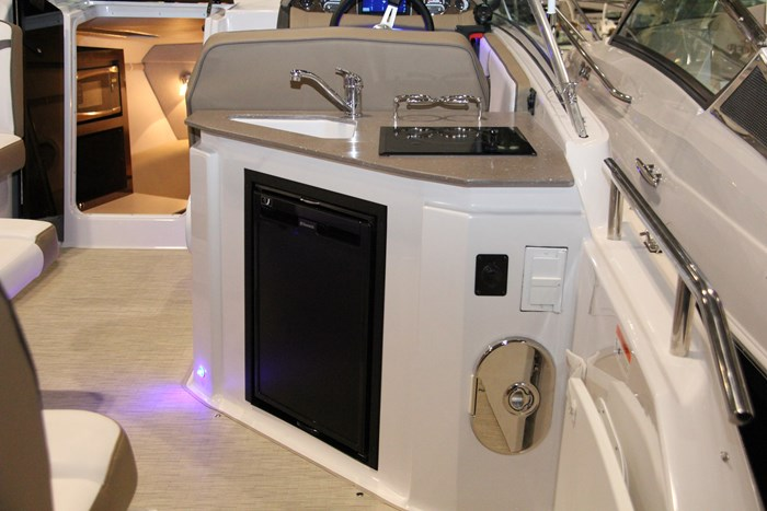 four winns vista 255 stern sink