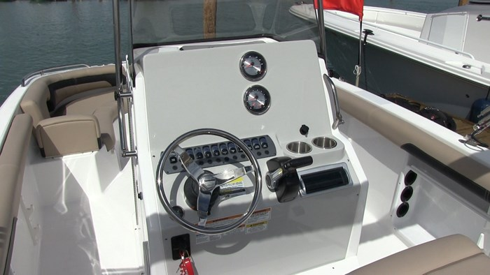 hurricane cc21 helm