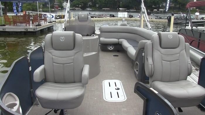 premier castaway 240 interior