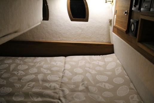 ranger tugs r 29 s bed under
