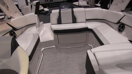 Regal obx Cockpit