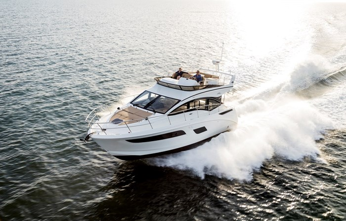 sea ray 400 fly running