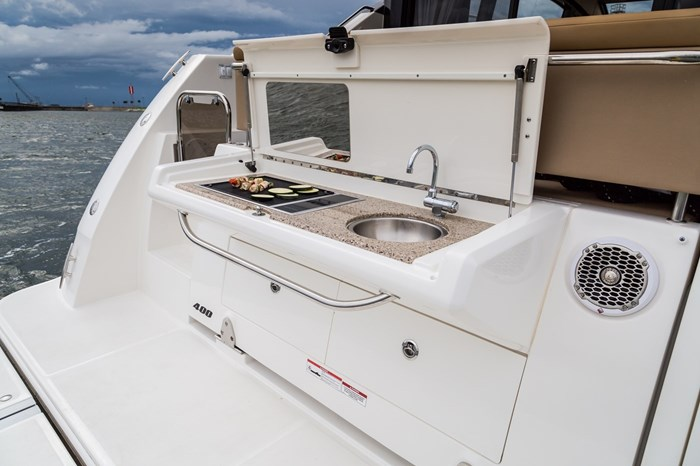 sea ray 400 fly stern cooktop