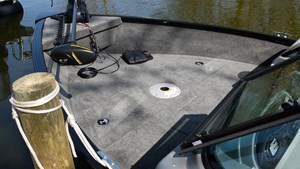 smoker craft pro angler 172 bow deck