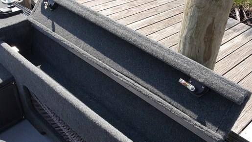 smoker craft pro angler 172 rod storage
