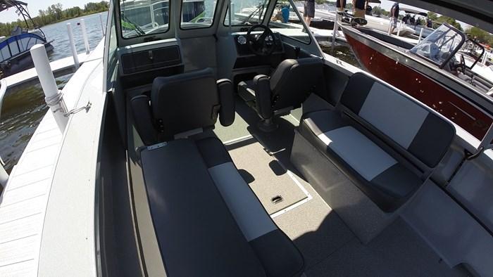 smoker craft american angler phantom 222 seating