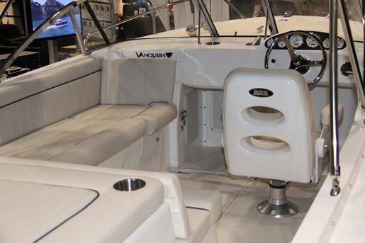 vanquish 24 runabout cockpit