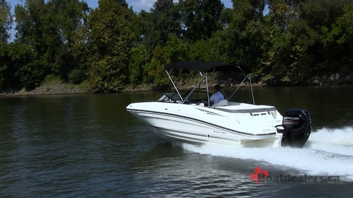 Bayliner VR5 OB Running