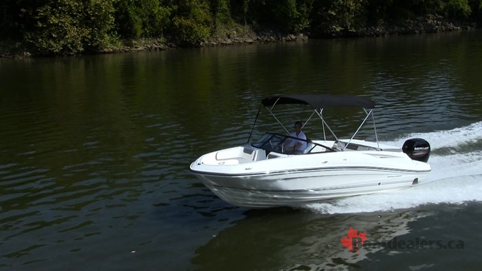 Bayliner VR5 OB Running3
