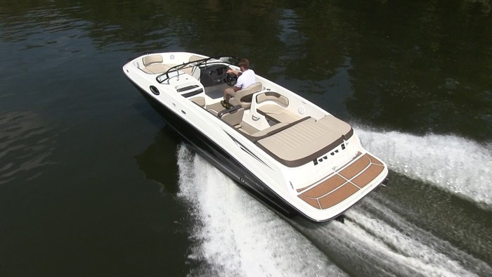 Bayliner VR6 running 2