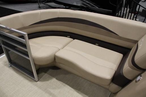 crestliner 200 rally seat