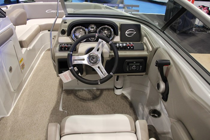crownline e 1 xs helm