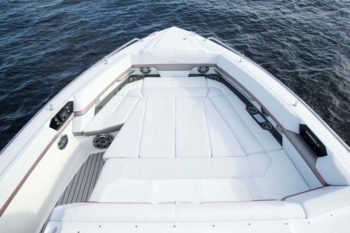 formula 430 ssc bow seat