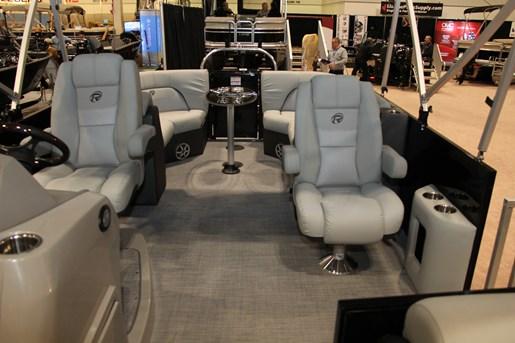 lowe retreat 230 pontoon chairs