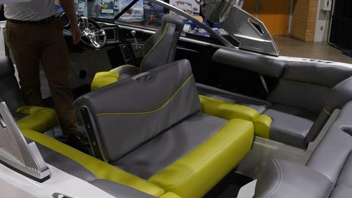 Mastercraft XT20 Convertible seat