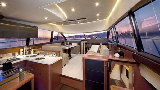 prestige 500 flybridge cockpit