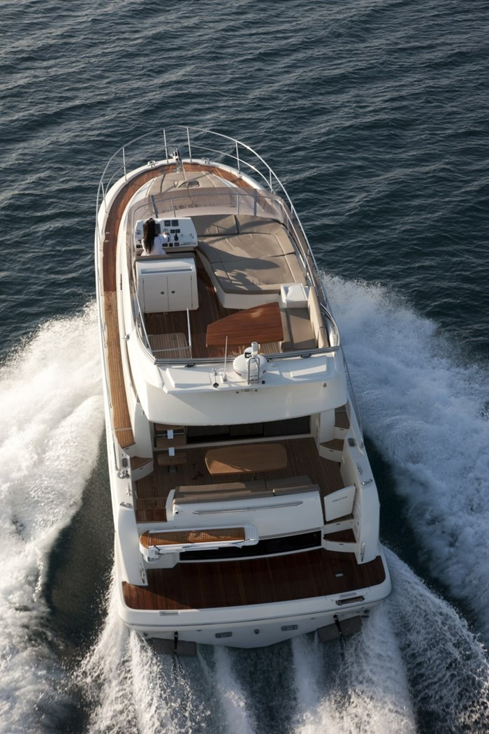 prestige 500 flybridge rear