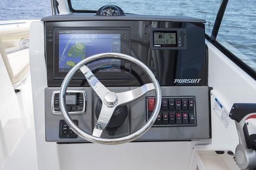 pursuit dc 235 center console helm dash