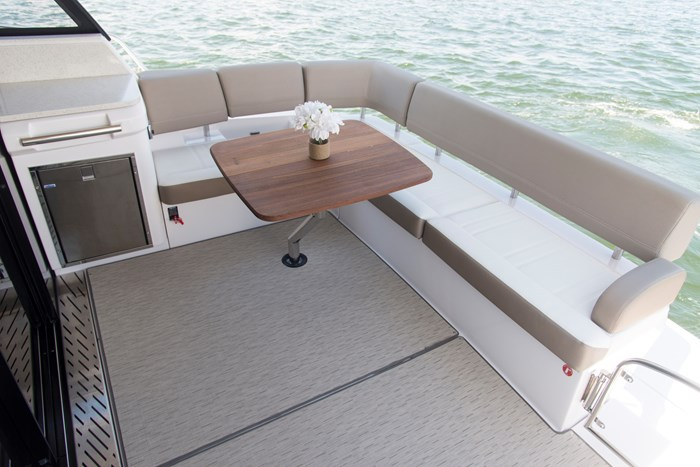 Regal 42 fly stern seat