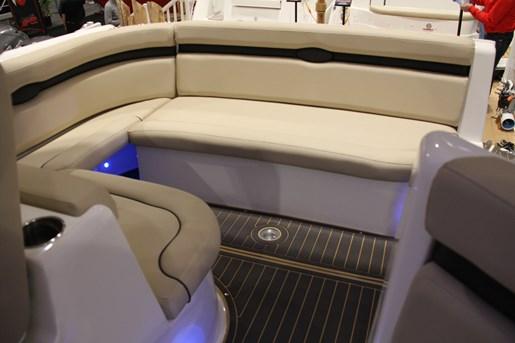 rinker 370 ex stern seating