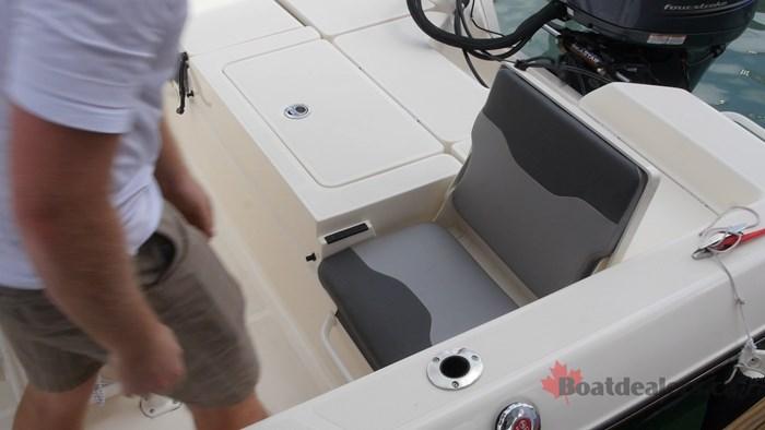 Skeeter SX2250 JumpSeat