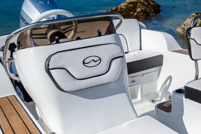 walker bay generation 525 seat