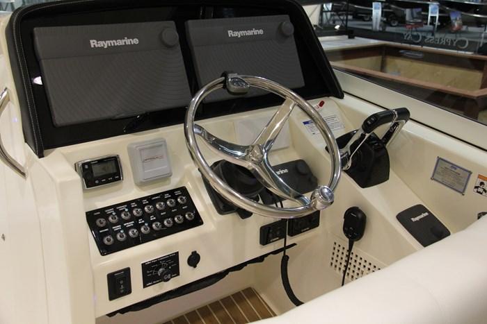 worldcat 320 dc helm