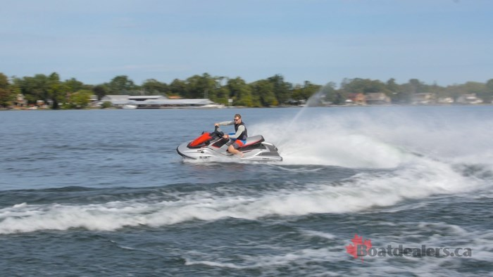 Yamaha Waverunner EX Deluxe Turns