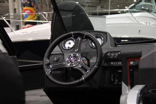 alumacraft shadow 175 competitor sport helm