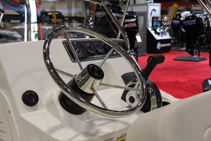 boston whaler 170 montauk helm