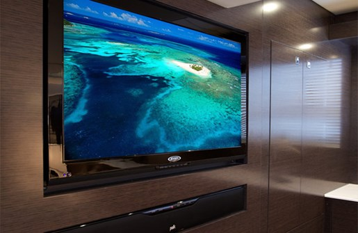 cruisers yachts 50 cantius entertainment