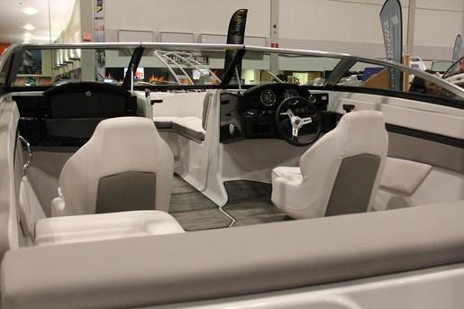 four winns hd 180 chairs