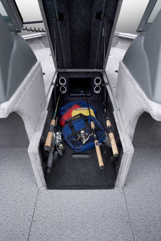 angler v17 sf rod storage